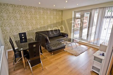 6 bedroom terraced house to rent - *£100pppw** Park Road, Lenton, NG7 1LB