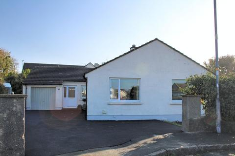 3 bedroom detached bungalow for sale - 16 Castle Close Roch SA62 6AG