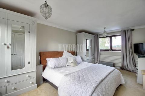 3 bedroom detached house for sale - Wyvern Gardens, Dore, S17 3PR