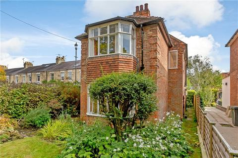 4 bedroom detached house for sale - St Olaves Road, York, YO30