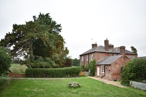 4 bedroom farm house to rent - Breamore, Fordingbridge