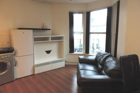 1 bedroom flat to rent - Monthermer Road, Cathay`, Cardiff CF24