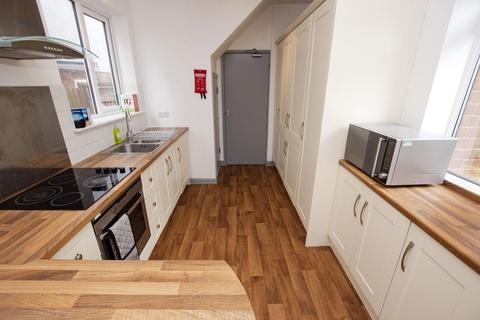 6 bedroom terraced house to rent - Bournbrook Road