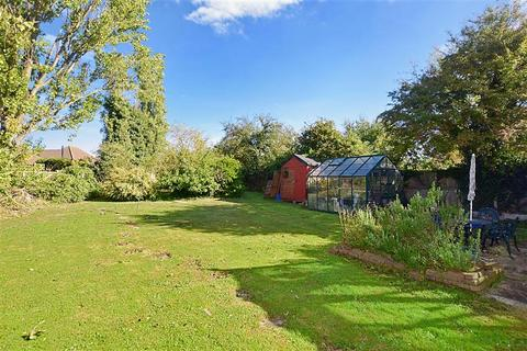 4 bedroom bungalow for sale - Kimberley Grove, Seasalter, Whitstable, Kent