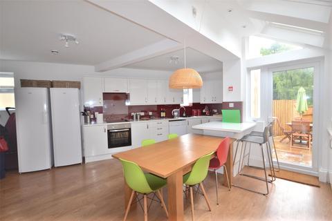6 bedroom end of terrace house to rent - Locksbrook Road, Bath, BA1