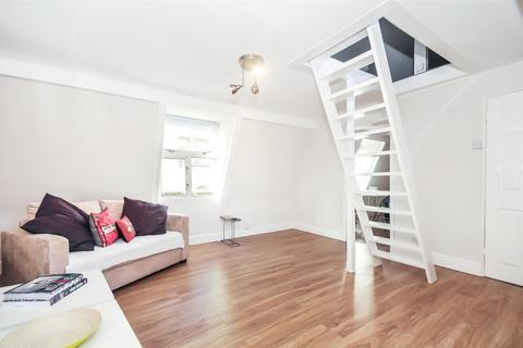 Studio to rent - Broad Street, Bath, BA1