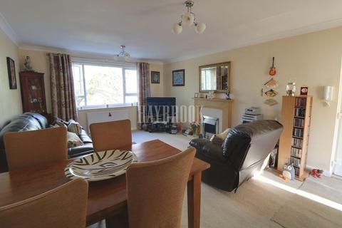 2 bedroom flat for sale - Hornby Court, High Storrs Rise, S11 7LA