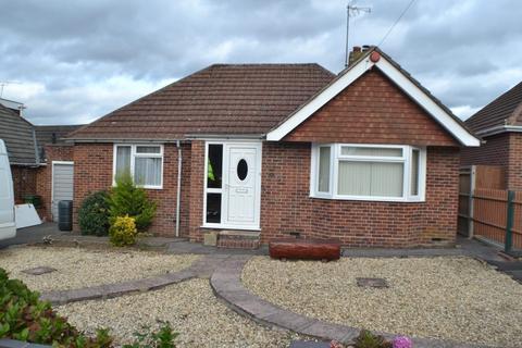 2 bedroom detached bungalow for sale - Paddock Road Newbury