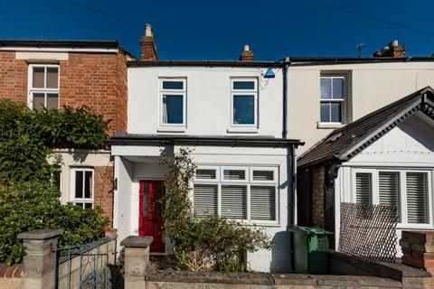 2 bedroom terraced house for sale - Crescent Road, Oxford, Oxfordshire