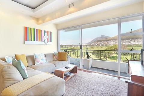 2 bedroom apartment  - Mouille Point, Cape Town