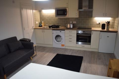 Studio to rent - Apartment 4 Maldon House, Kings Place