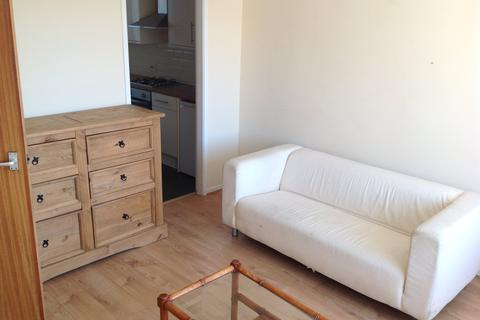 2 bedroom flat to rent - Minster Court, Orphan Street,