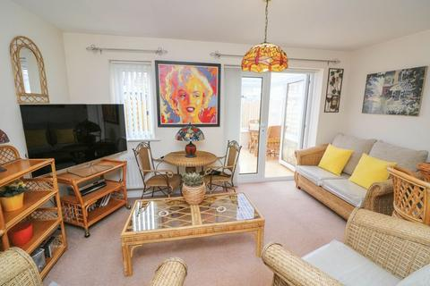 3 bedroom semi-detached house for sale - Cormorant Drive, Dunston