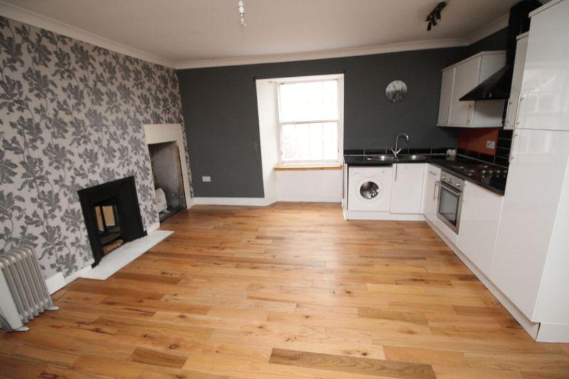 Lounge/kitchen/bedroom