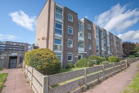 1 bedroom flat to rent - Hampshire Court, Upper St James's Street
