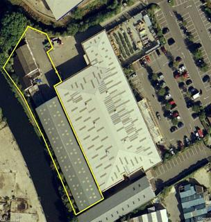 Industrial unit to rent - High Street, Yiewsley, Middlesex