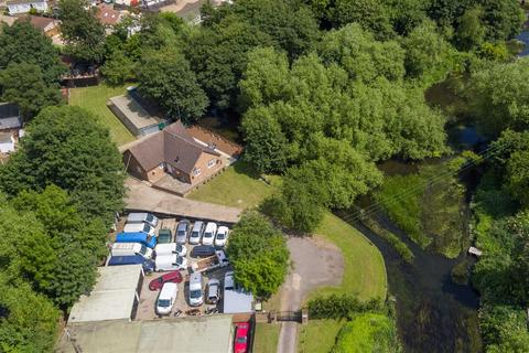 4 bedroom detached bungalow for sale - The Common, West Drayton, Middlesex, UB7