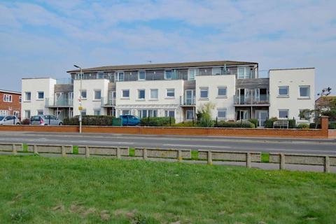 2 bedroom apartment for sale - Seafront, Hayling Island