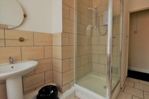 3 bedroom flat to rent - Kelsall Avenue, Leeds