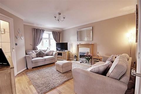 3 bedroom end of terrace house for sale - Mowbray Villas, South Shields, Tyne And Wear