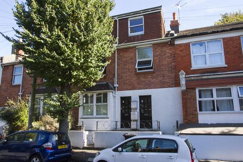 3 bedroom flat for sale - Riley Road