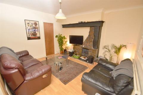 4 bedroom house to rent - Leighbrook Road, Manchester