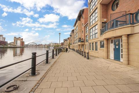2 bedroom apartment for sale - Mariners Wharf, Quayside, Newcastle Upon Tyne