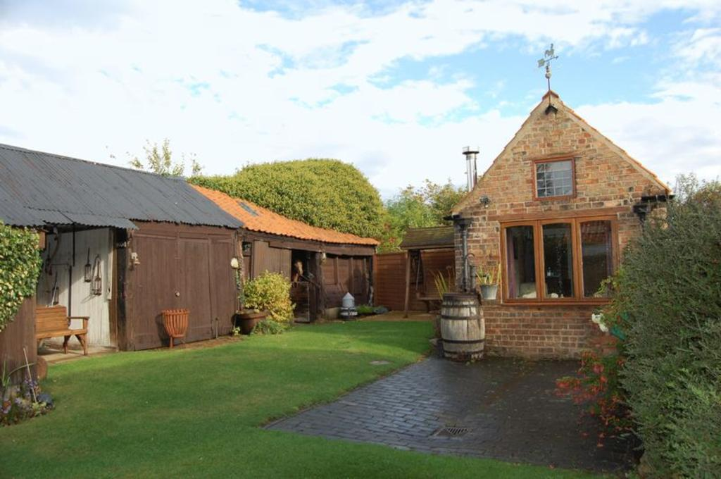 Stables/coach house