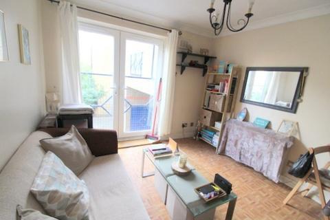 1 bedroom flat to rent - Melville Court, Croft Street, Surrey Quays, SE8