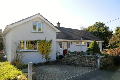 2 bedroom detached bungalow for sale - Tresmeer