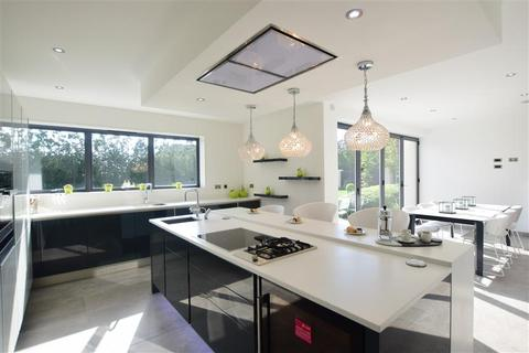 5 bedroom detached house for sale - Thanet Place Gardens, Broadstairs, Kent