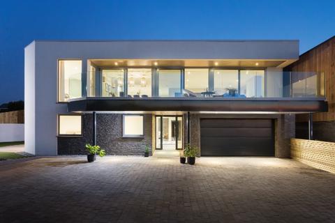 5 bedroom house for sale - Trelowen, Polzeath