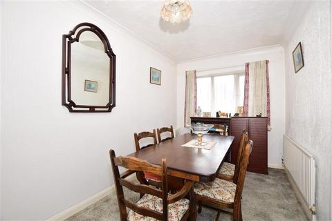 2 bedroom semi-detached bungalow for sale - Elm Wood West, Whitstable, Kent