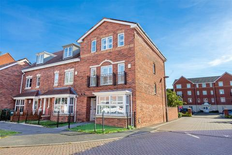 5 bedroom terraced house for sale - Cobham Way, Manor Lane, YORK