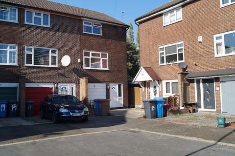 3 bedroom terraced house to rent - Allison Grove, Eccles