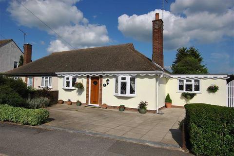 2 bedroom semi-detached bungalow for sale - Percy Cottis Road, Rochford, Essex