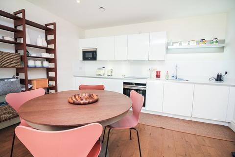 2 bedroom apartment to rent - Oakhill Road, London SW15