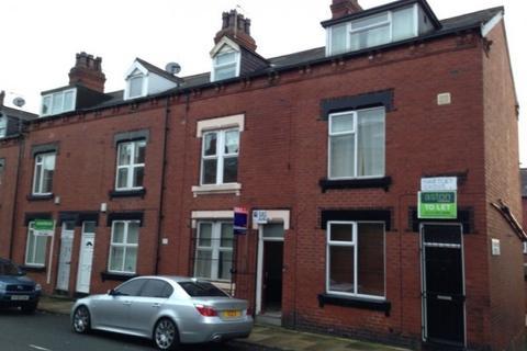 3 bedroom terraced house to rent - Hartley Grove,  Leeds, LS6