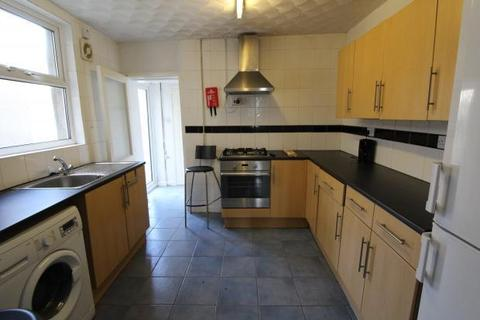 5 bedroom terraced house to rent - Cranbrook Street, , Cardiff