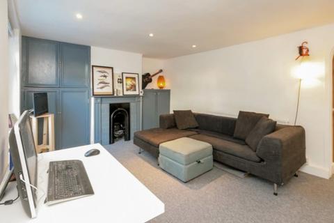 1 bedroom flat for sale - Lausanne Road,  Nunhead, SE15