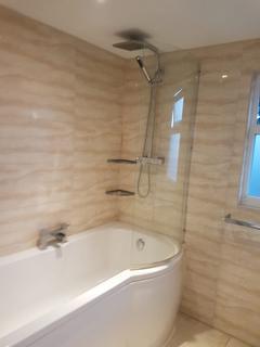 3 bedroom townhouse to rent - SM6 8SU, Wallington