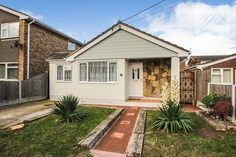 3 bedroom bungalow for sale - Canvey Island