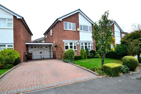 3 bedroom detached house for sale - Chepstow Drive, Hazel Grove, Stockport SK7 4RY