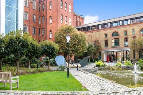 1 bedroom duplex for sale - Bow Quarter, London