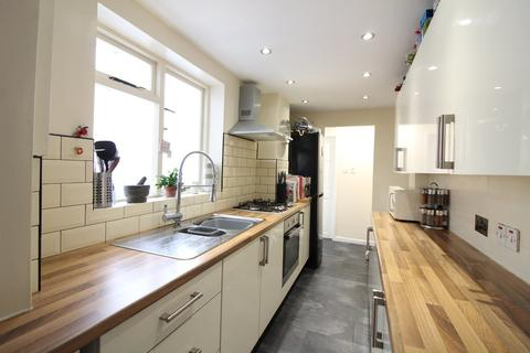 2 bedroom terraced house for sale - Churchill Road, Norwich