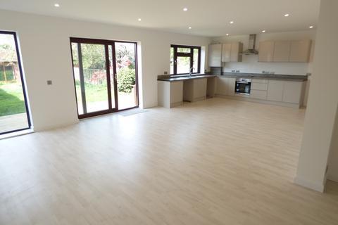 3 bedroom bungalow to rent - Bexley Lane, Sidcup, DA14
