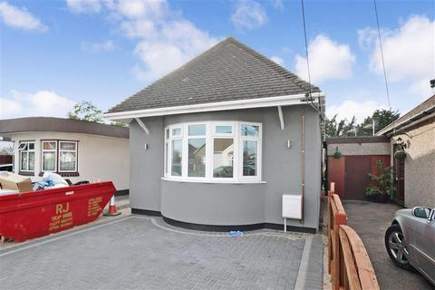 2 Bedroom Detached Bungalow For Sale Stanley Road North Rainham Es