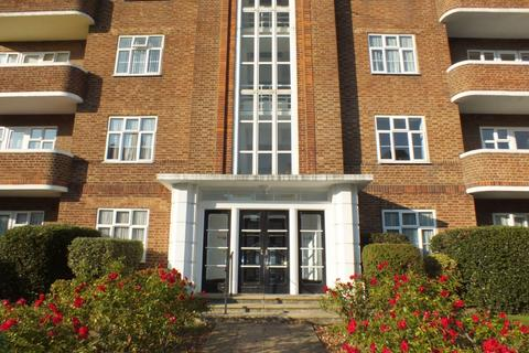 3 bedroom flat to rent - Sandgate Road, Folkestone, CT20