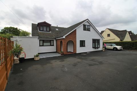 5 bedroom detached bungalow for sale - Gayton Parkway, Gayton, Wirral, CH60 3SZ