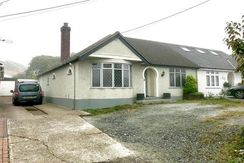 3 bedroom semi-detached bungalow for sale - Wick Lane, Wickford, Essex